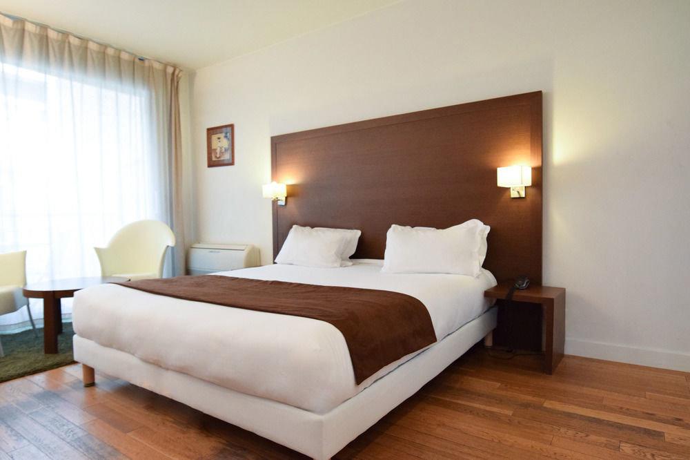 sofa property Bedroom Suite hardwood bed frame cottage