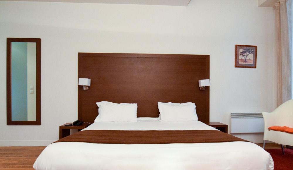 property scene Bedroom Suite cottage home bed frame