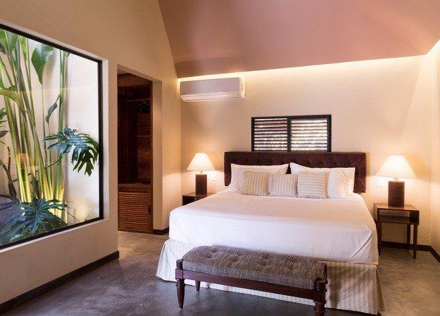 Suite Bedroom bed frame interior designer