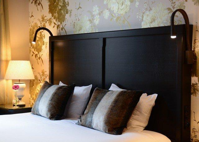 sofa property living room Bedroom bed frame Suite