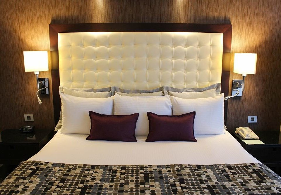 Suite Bedroom bed sheet pillow cottage clean