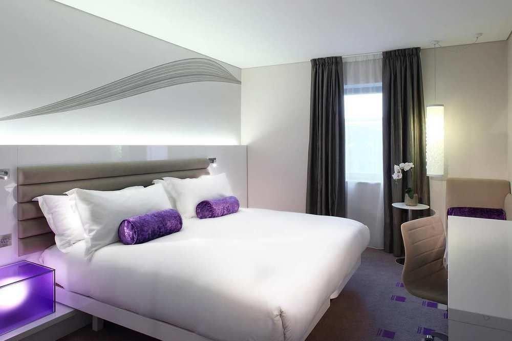 sofa property Bedroom purple Suite pillow condominium bed sheet lamp