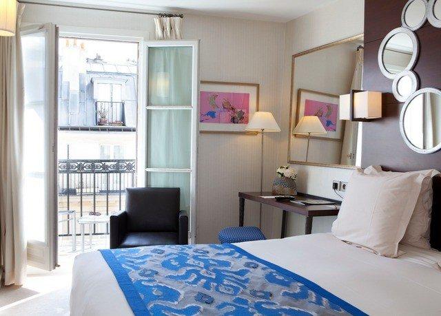property Bedroom living room home cottage bed sheet Suite condominium