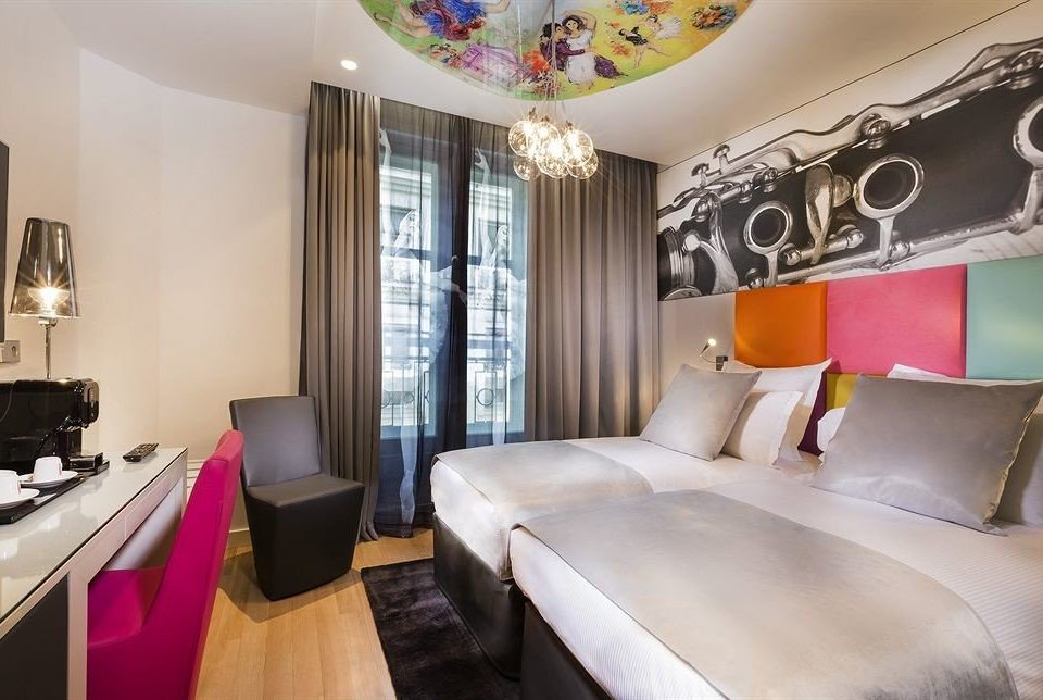 property Bedroom Suite living room bed sheet condominium cottage