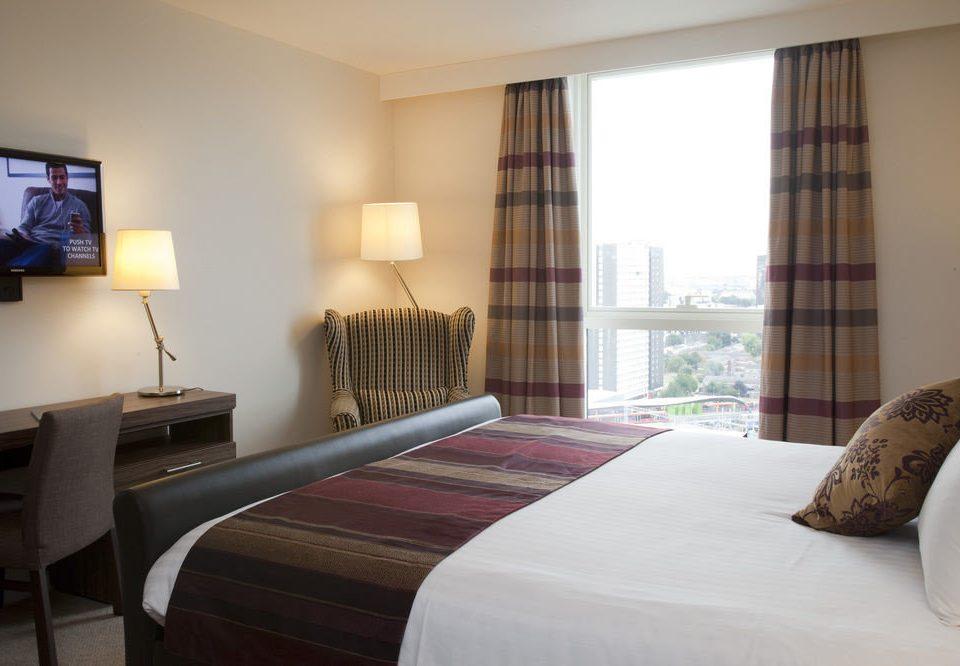 sofa property Bedroom Suite cottage condominium bed sheet