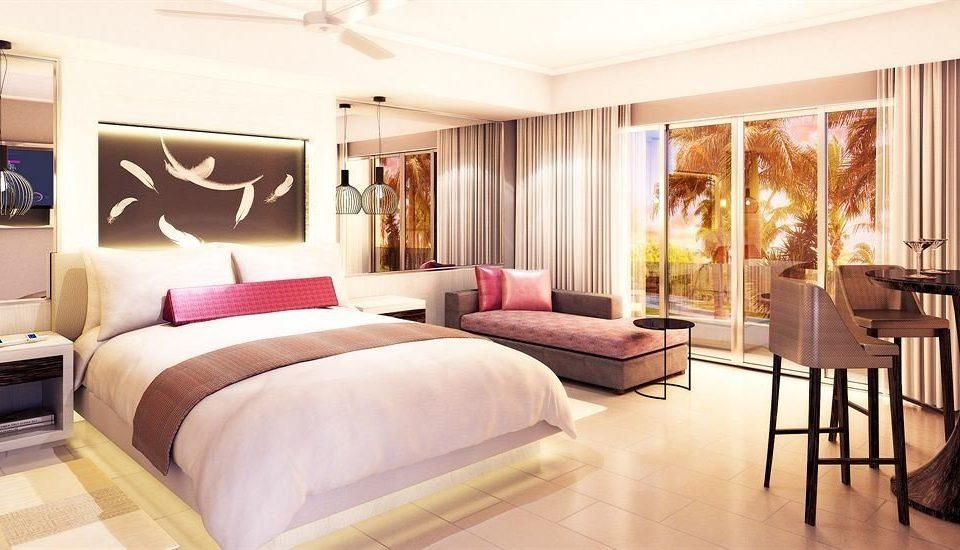 property Suite living room home Bedroom condominium bed sheet