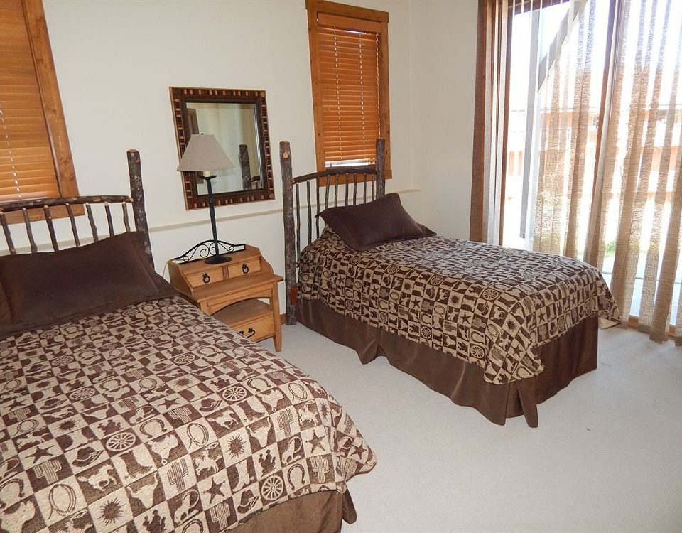 Bedroom property cottage Suite bed sheet containing