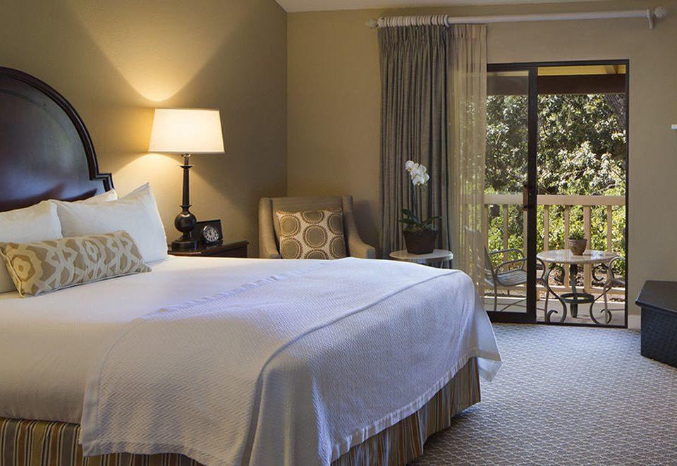 Bedroom property Suite cottage nice bed sheet lamp