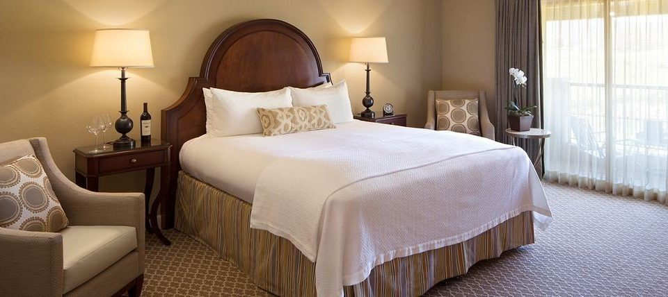Bedroom property Suite cottage lamp bed sheet