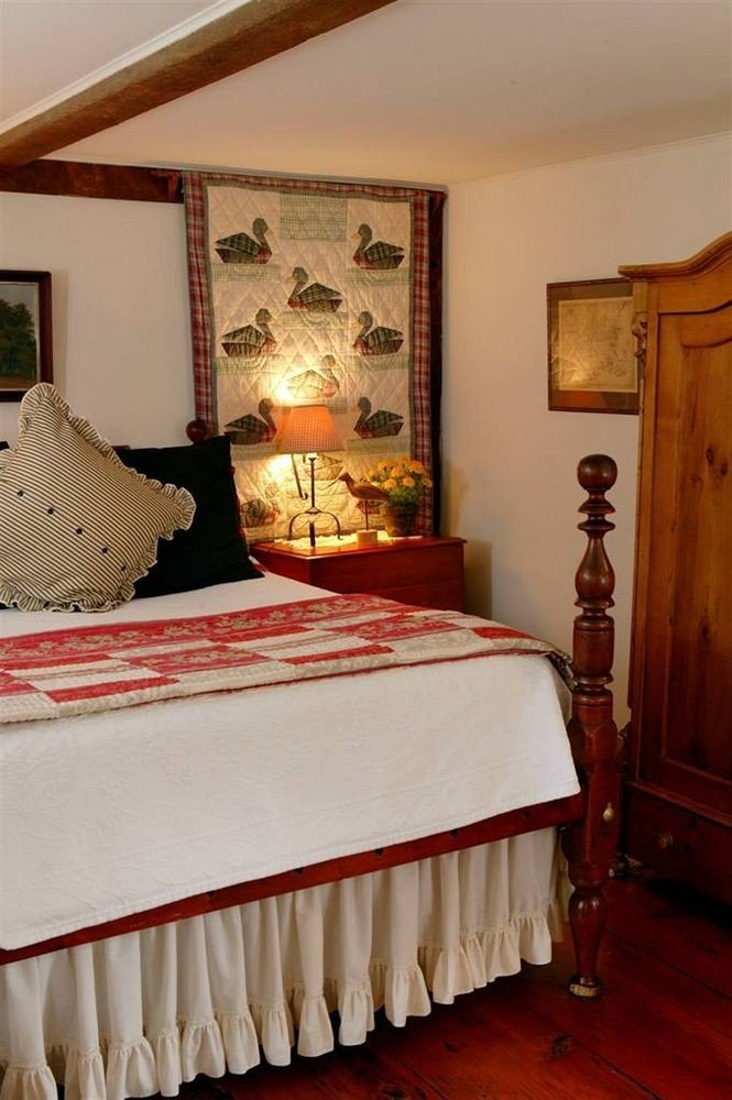 Bedroom Suite cottage bed sheet