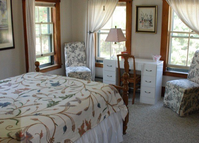 Bedroom property cottage home farmhouse bed sheet Suite