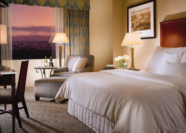 Bedroom property Suite cottage home bed sheet living room lamp