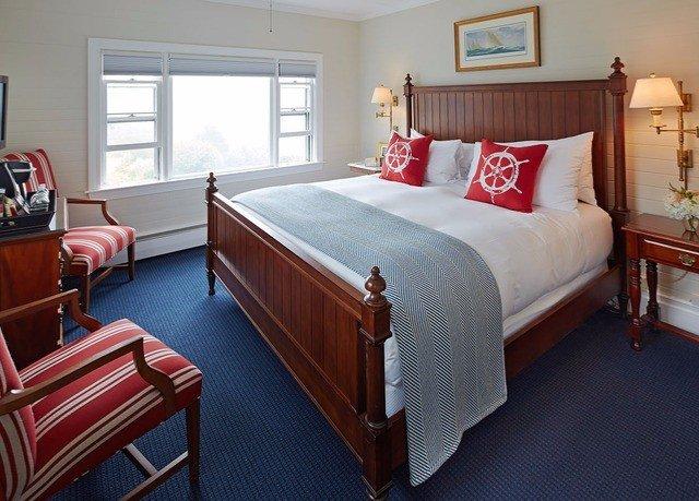 property Bedroom Suite cottage hardwood bed sheet