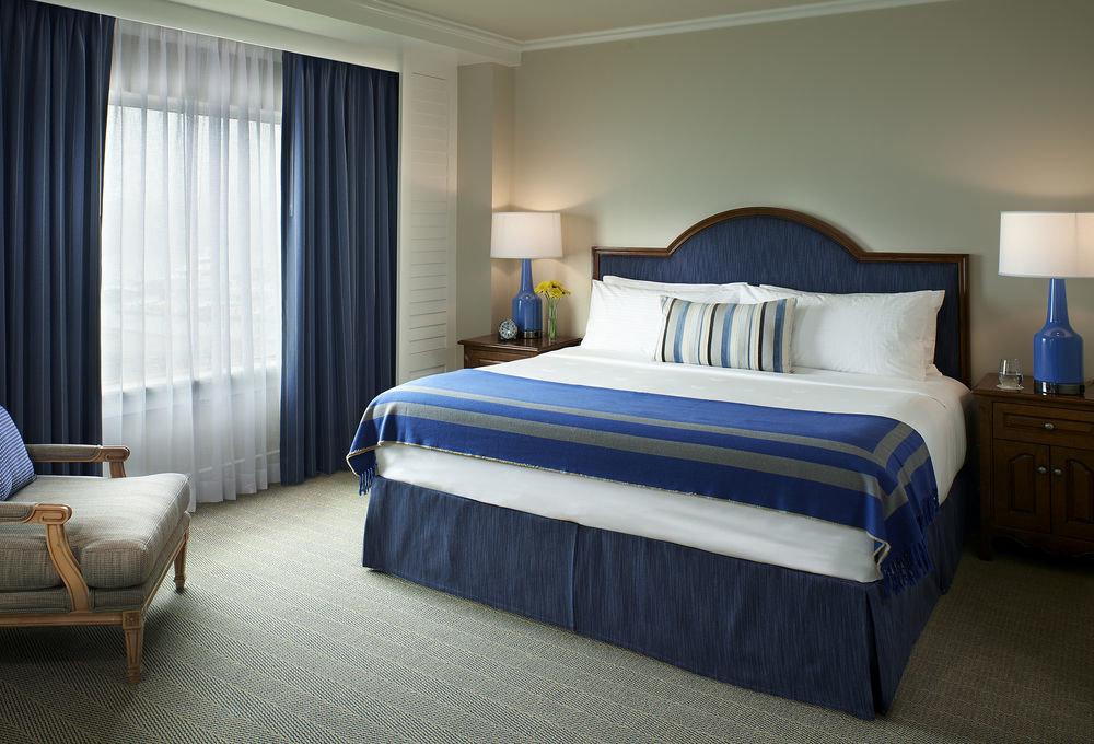 Bedroom sofa property Suite bed sheet cottage