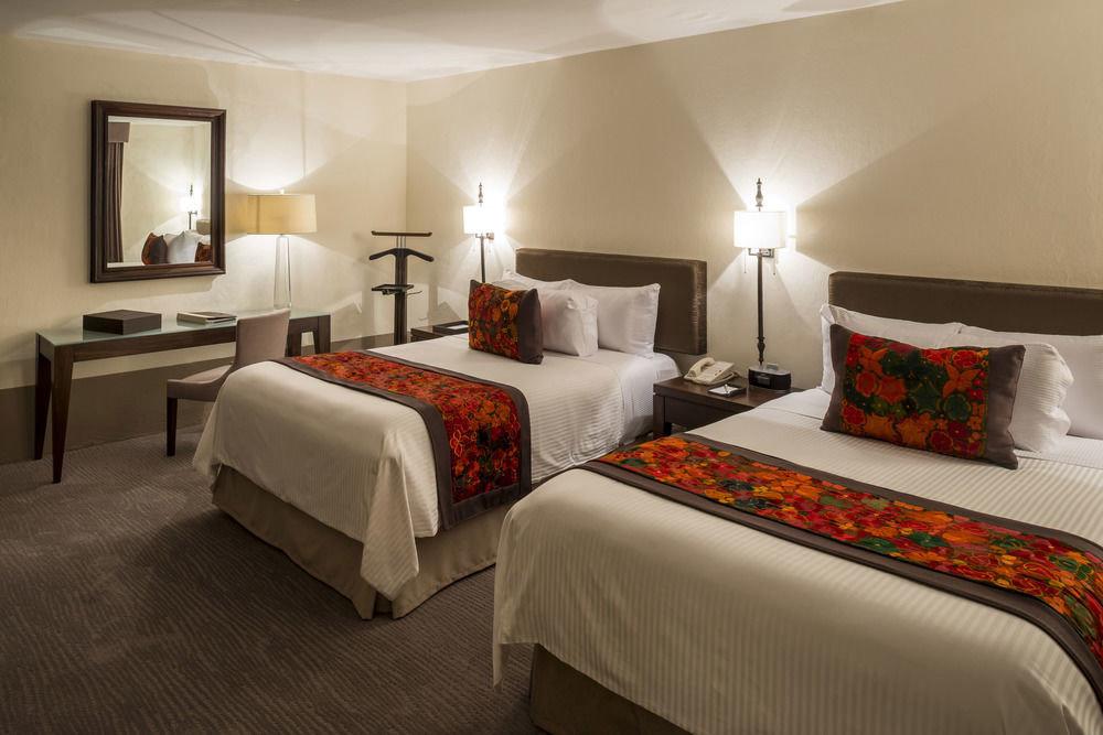 sofa Bedroom property Suite cottage bed sheet lamp flat