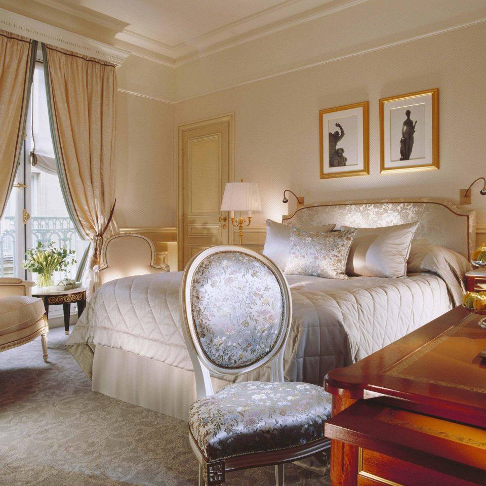 sofa Bedroom property Suite cottage living room home bed sheet