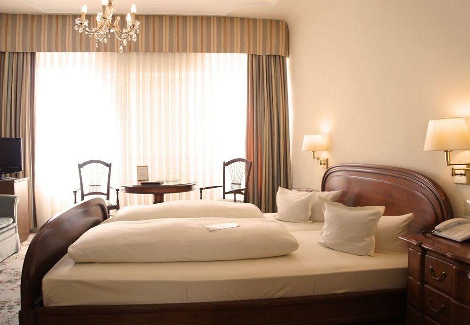 property Bedroom Suite living room cottage bed sheet