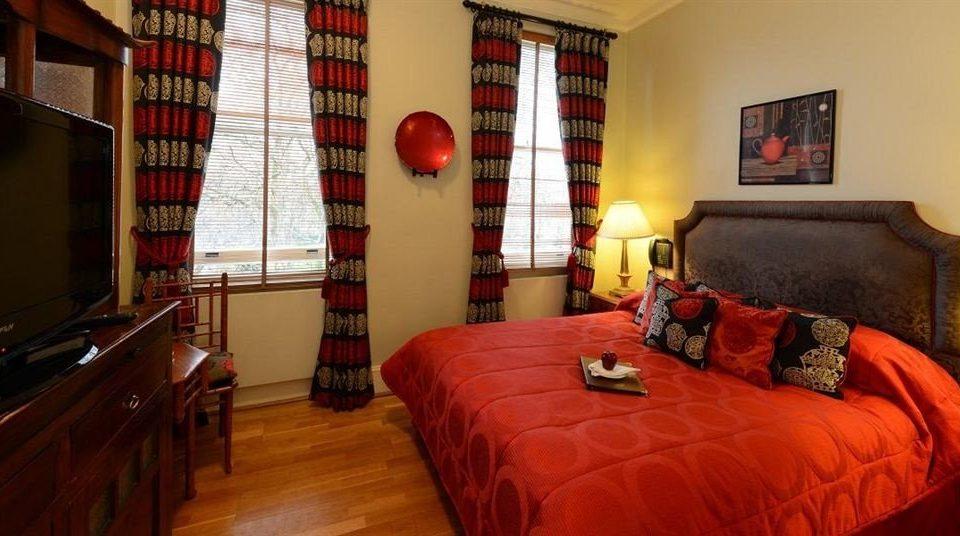 sofa red property Bedroom cottage bed sheet Suite