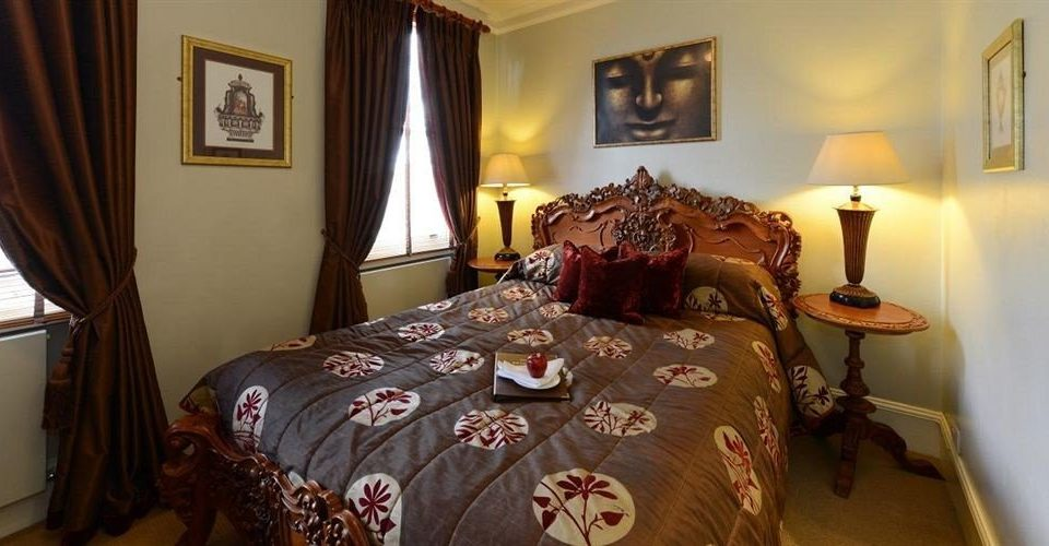 property Bedroom cottage Suite bed sheet