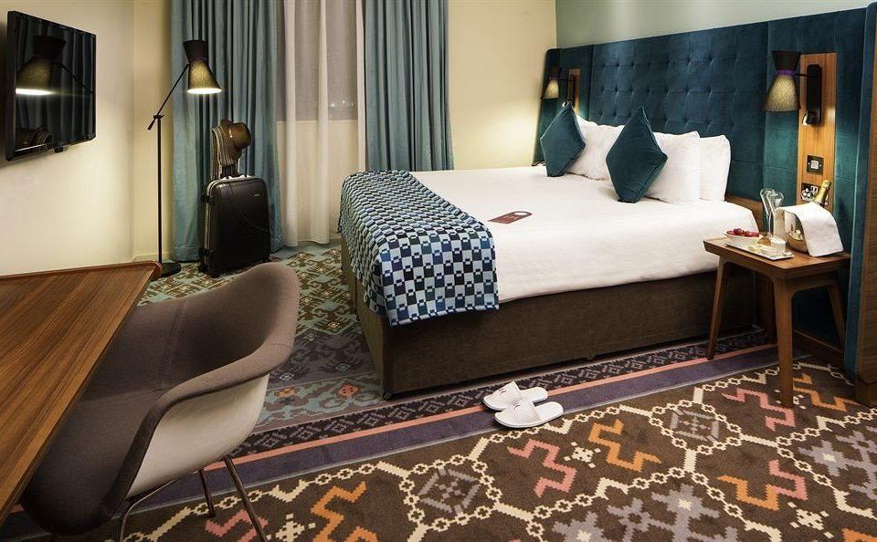 property Suite Bedroom living room home bed sheet cottage rug
