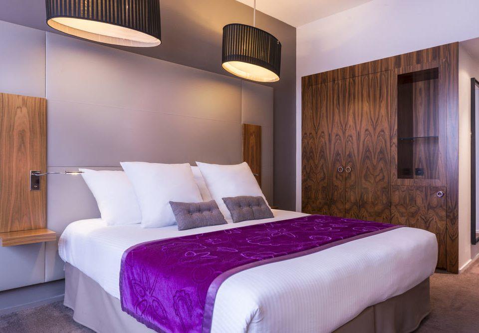 Bedroom property Suite scene cottage bed sheet