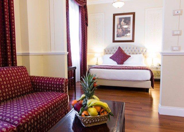 property Suite Bedroom living room cottage home bed sheet