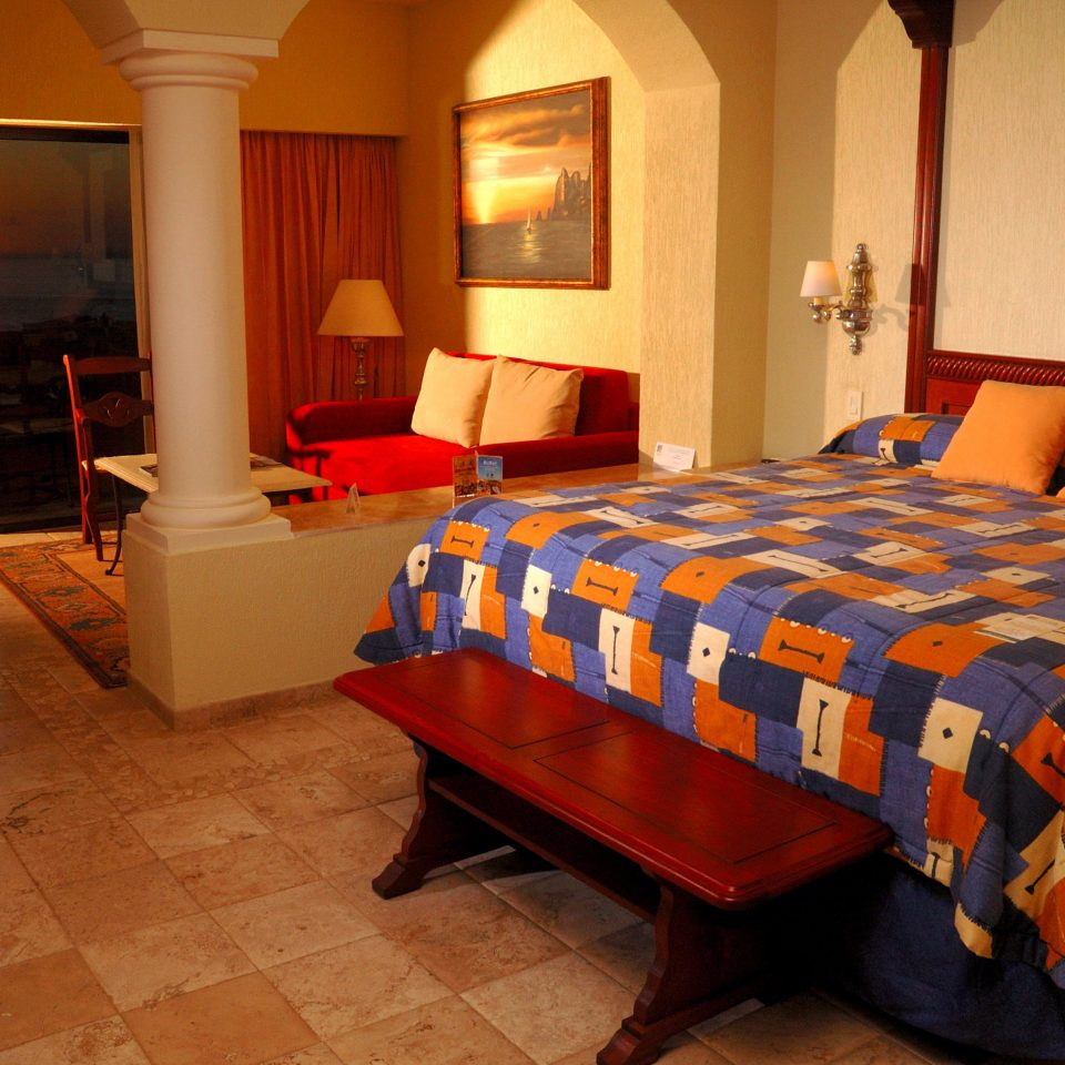 property Suite Bedroom cottage bed sheet