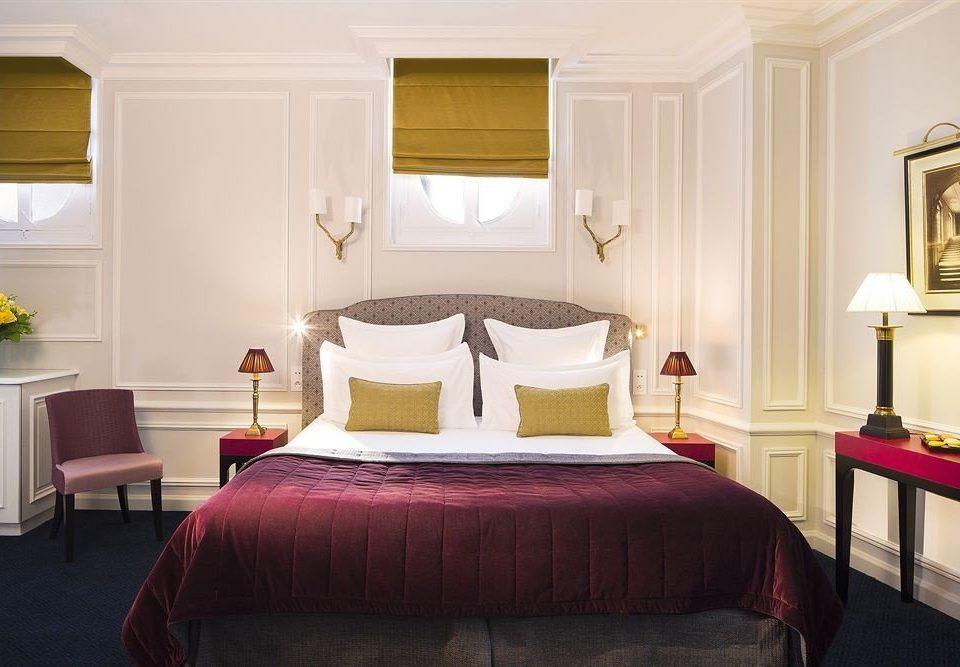 property Bedroom red Suite cottage bed sheet