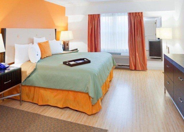 Bedroom property Suite cottage bed sheet orange