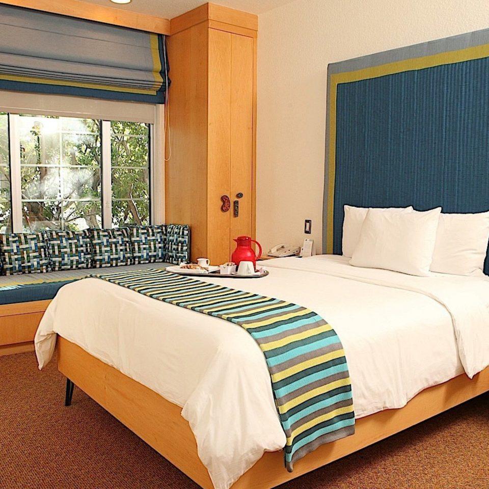 Bedroom property Suite scene cottage bed sheet lamp