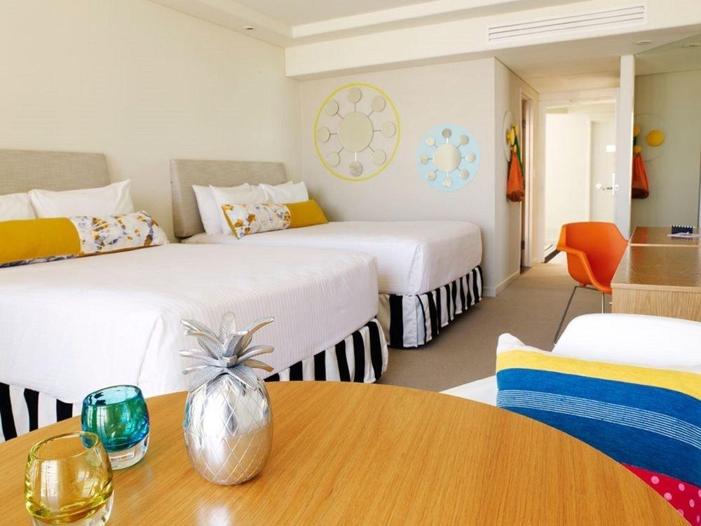 Suite Bedroom cottage bed sheet living room