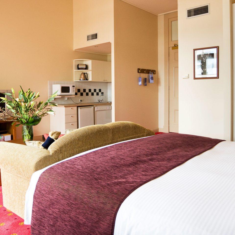 property Bedroom home cottage hardwood Suite bed sheet
