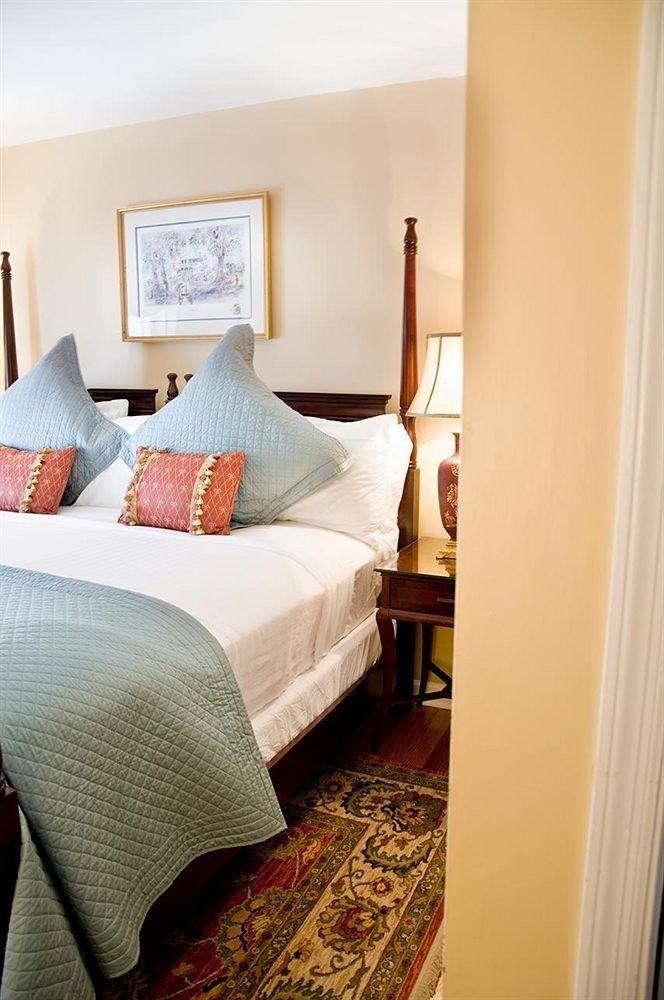 property Bedroom home cottage Suite hardwood bed sheet living room