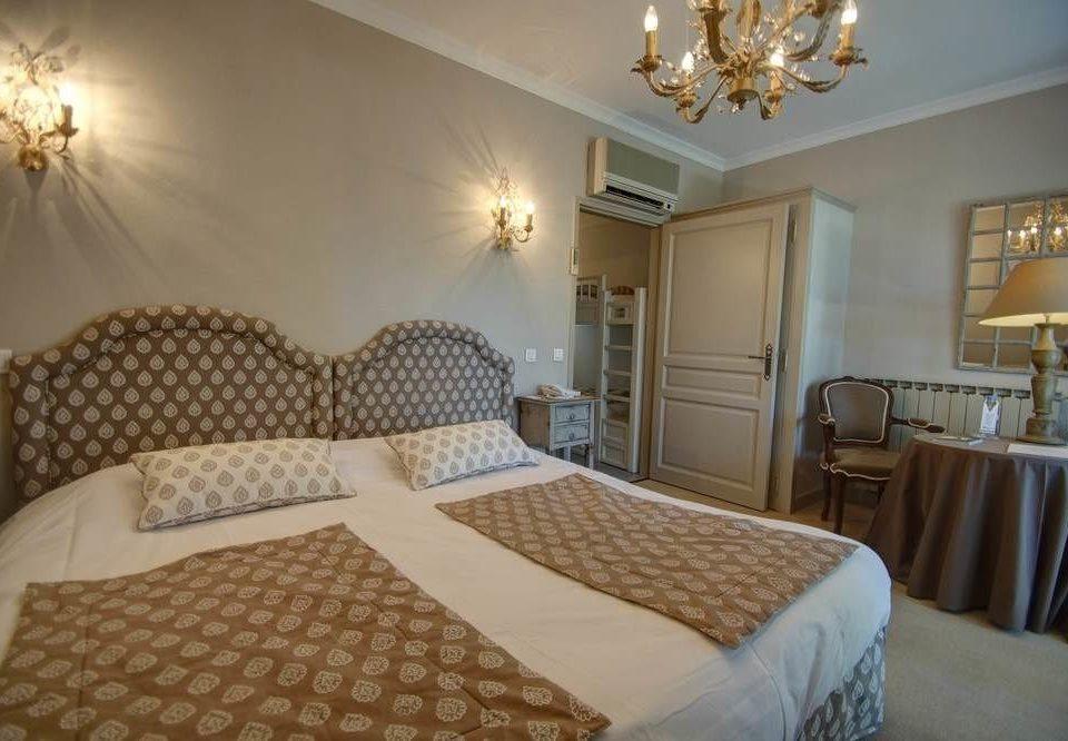 Bedroom property cottage Suite bed sheet