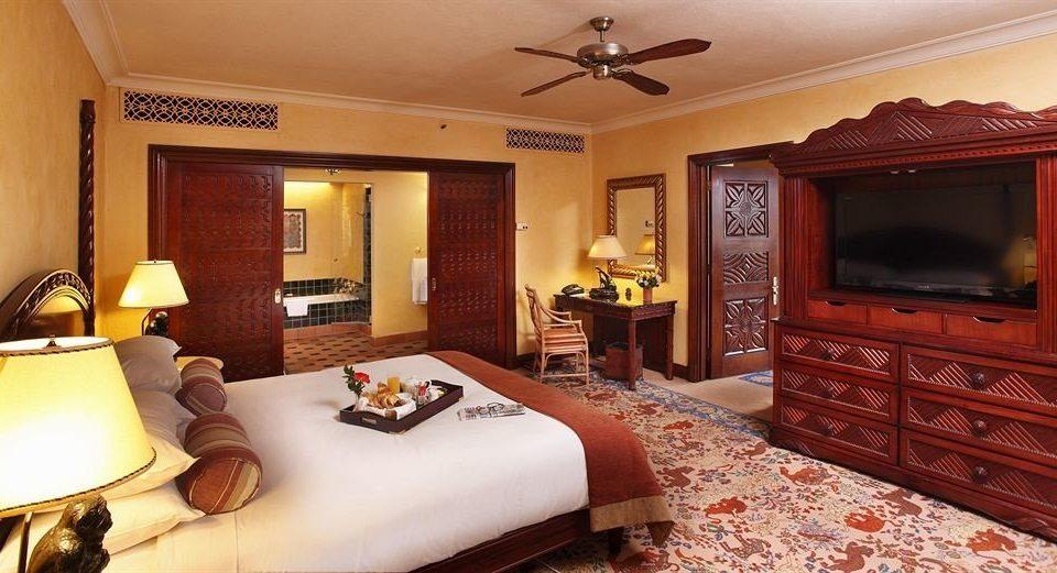 property Bedroom Suite living room home cottage bed sheet flat