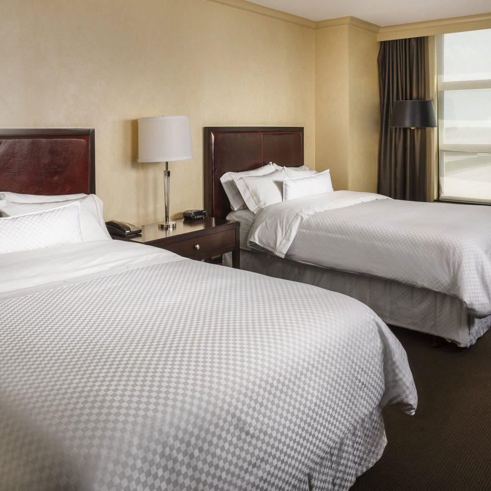 Bedroom property Suite night cottage bed sheet