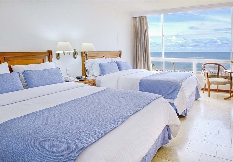 Bedroom property Suite cottage pillow bed sheet yacht