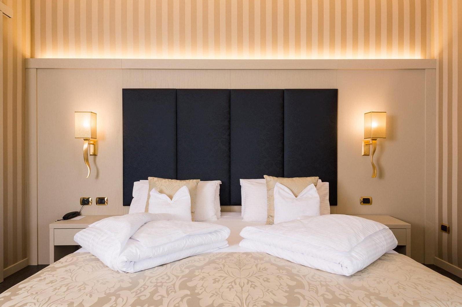 property Bedroom Suite scene cottage bed sheet tan