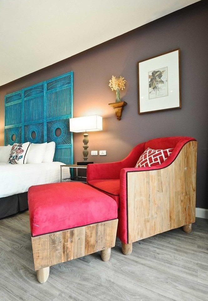 red property Bedroom living room hardwood home Suite bed sheet flooring laminate flooring cottage