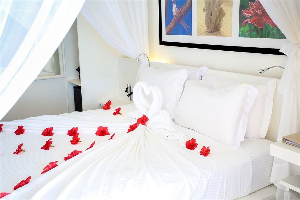 Bedroom product white bed sheet Suite cottage