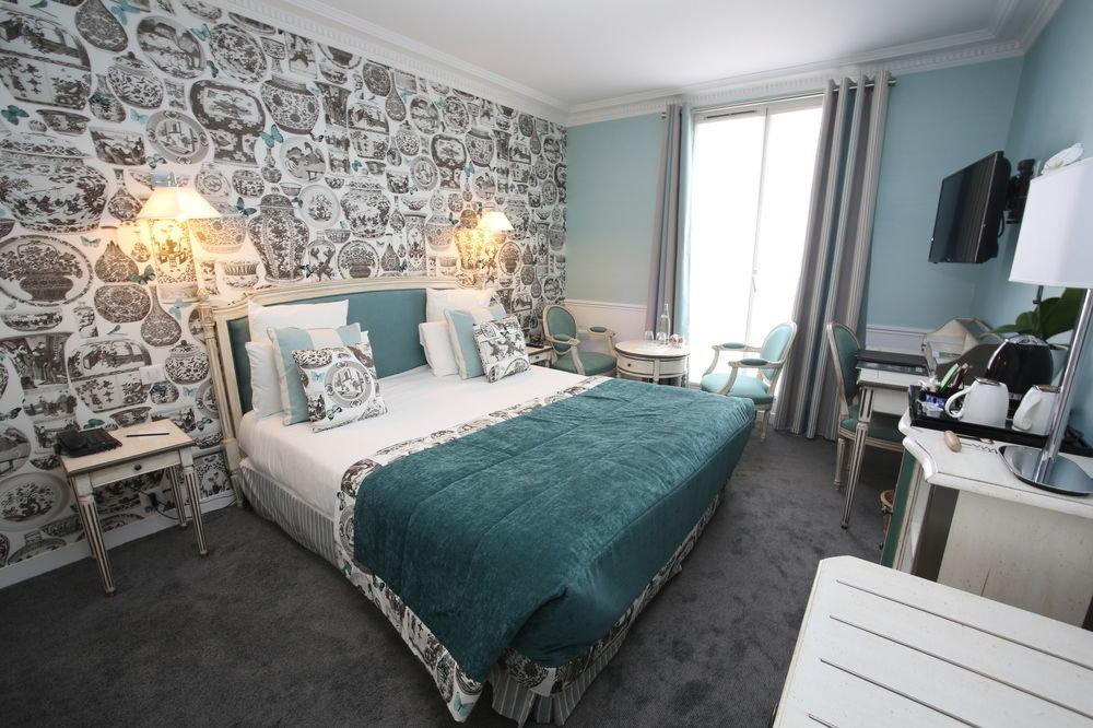 Bedroom property green living room Suite cottage bed sheet