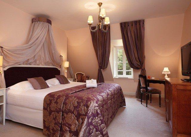 sofa property Bedroom Suite cottage bed sheet lamp