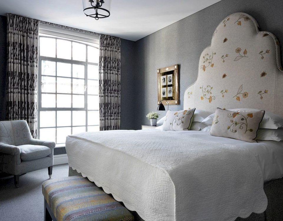 sofa property Bedroom living room home Suite cottage bed sheet