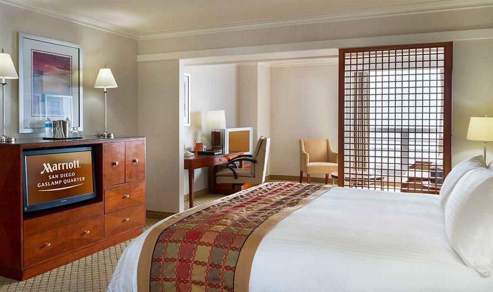 property Bedroom Suite home living room cottage bed sheet