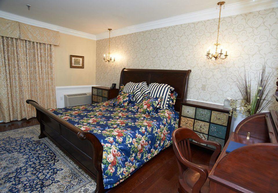 property Bedroom cottage Suite bed sheet