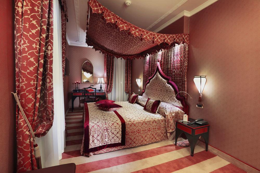 red property Bedroom Suite bed sheet cottage