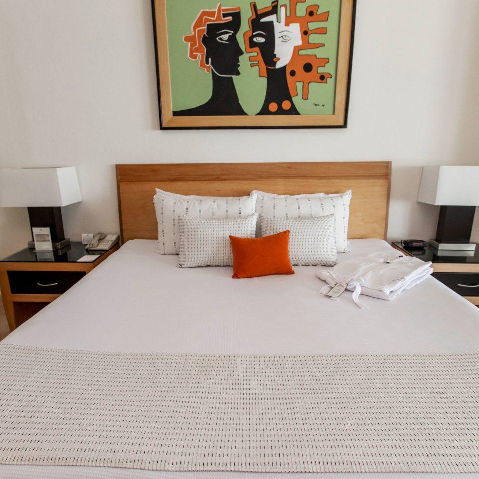 property Bedroom Suite cottage living room bed sheet flooring