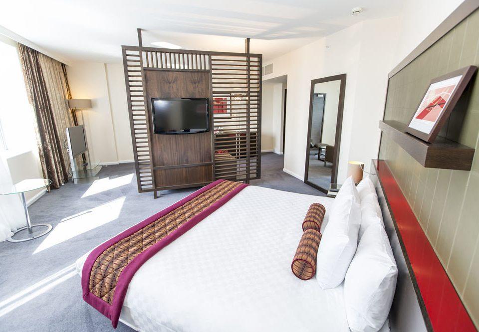 property Bedroom Suite red bed sheet cottage flat