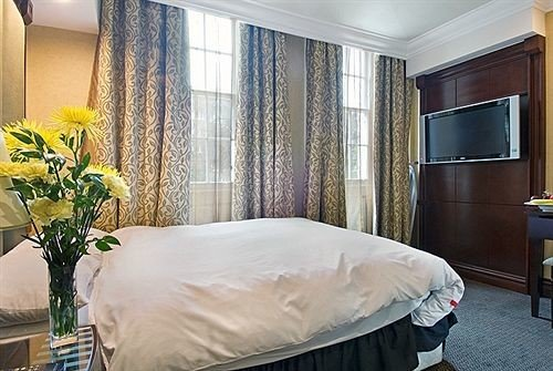 property Bedroom Suite curtain home cottage bed sheet
