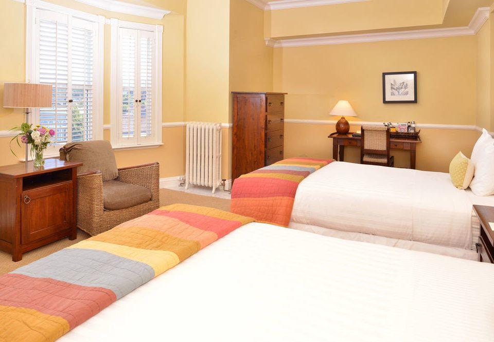 property Suite Bedroom cottage home living room bed sheet